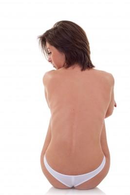 Постоянная боль в спине может быть признаком протрузии межпозвоночного диска