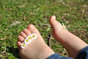 Избавьтесь от грибка ногтей народными средствами.