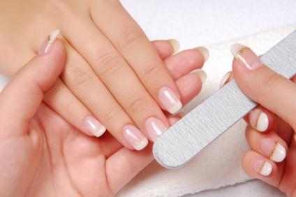 Как придать ногтям положительную форму