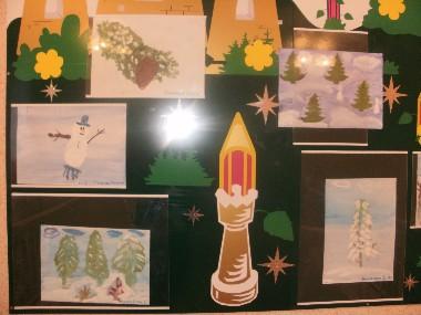 Детские рисунки также можно использовать для оформления группы