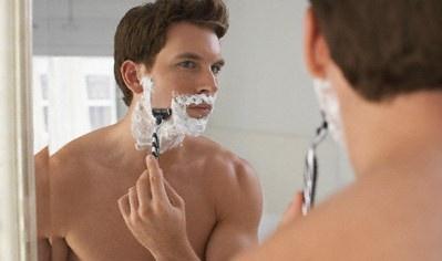 Как правильно брить лицо