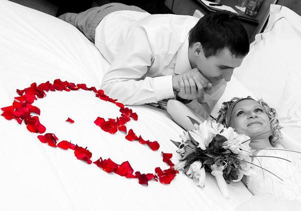 Как украсить свадебное фото