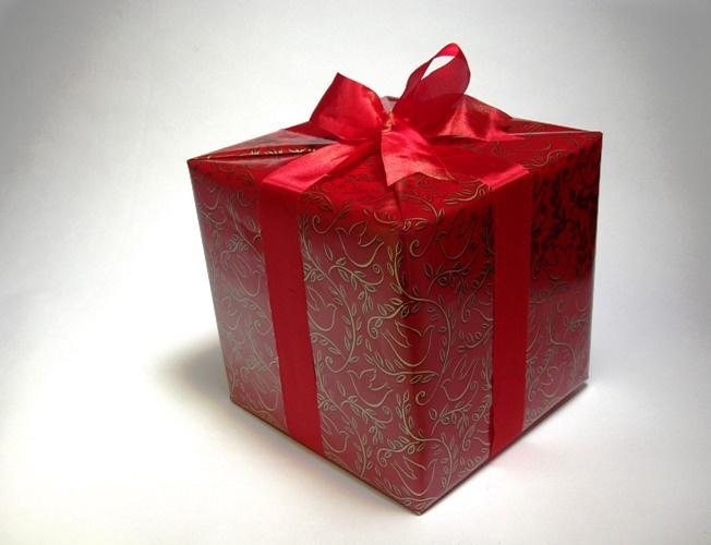 Главное - не подарок, а способ его преподношения