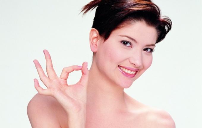Как удалять волосы на лице ниткой