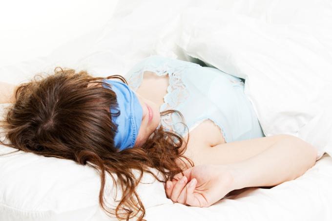 Как сшить повязку для сна