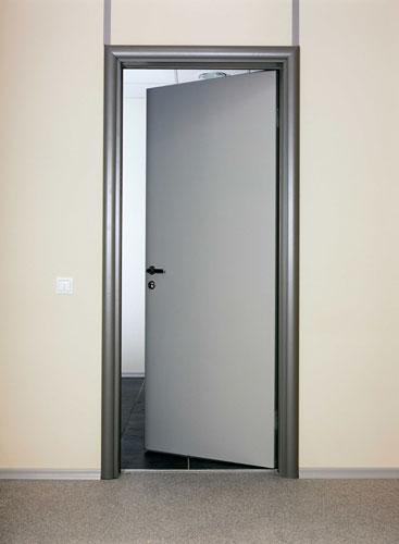 сделать откосы входной двери