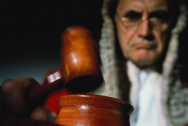 Как подавать в суд на страховую компанию