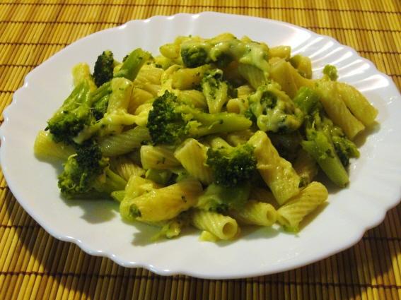 Макароны с брокколи - легкое в приготовлении и очень вкусное диетическое блюдо