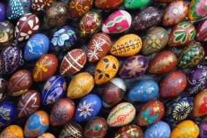 Крашеные яйца - обязательный атрибут празднования Пасхи