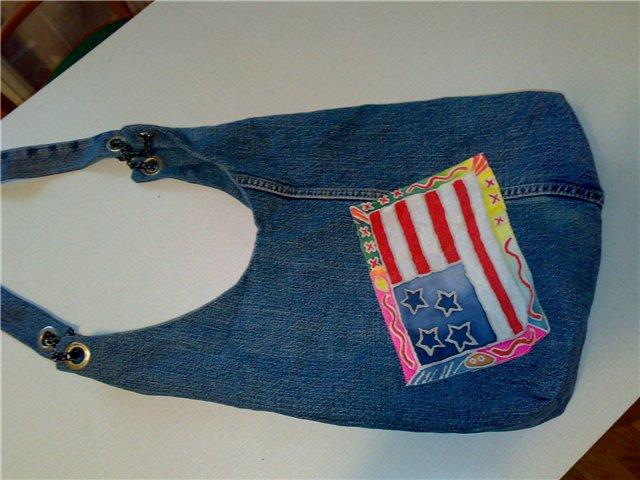С помощью аппликации можно преобразить даже самую скучную сумочку