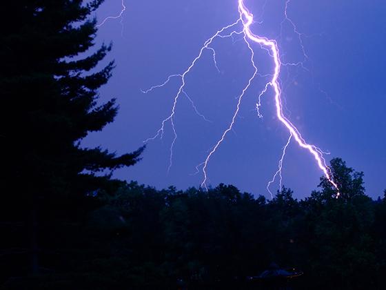 Как сделать в фотошопе молнию