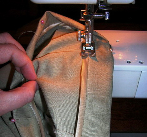 Подшить брюки вы можете и сами. Для чего звонить в мастерскую?