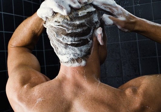 Как избавиться от перхоти мужчине