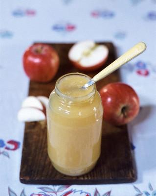 Лежалые яблоки можно переработать во вкусное яблочное пюре