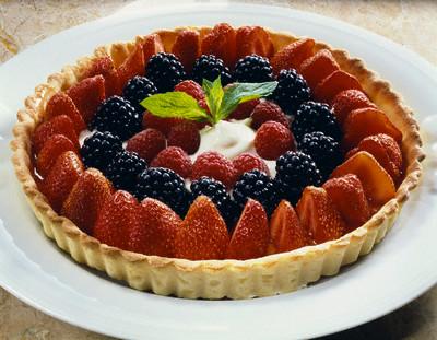 Ягодный тортик можно соорудить за какие-нибудь 5-10 минут