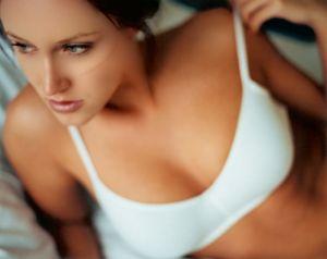 нежная кожа у девушки - признак постоянного ухода за собой