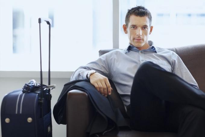 Как узнать об ограничении на выезд за границу