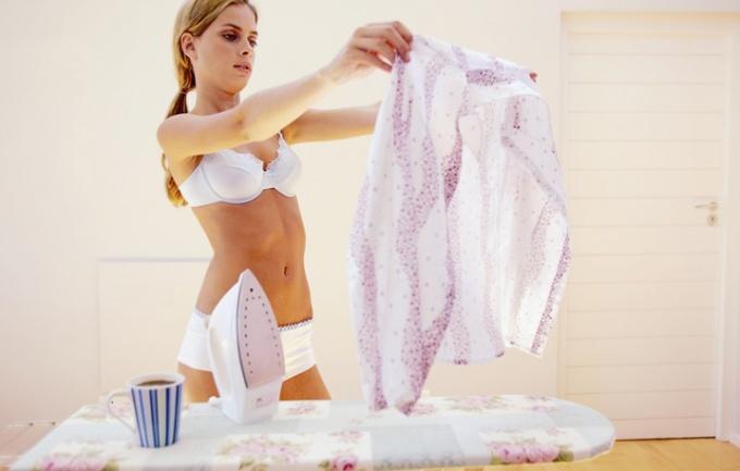 Как удалить пятна с белой одежды