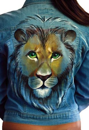 Как украсить джинсовую куртку