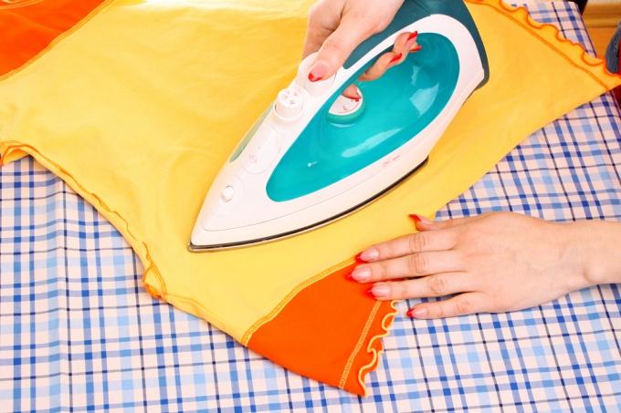 Как убрать блеск от утюга на одежде