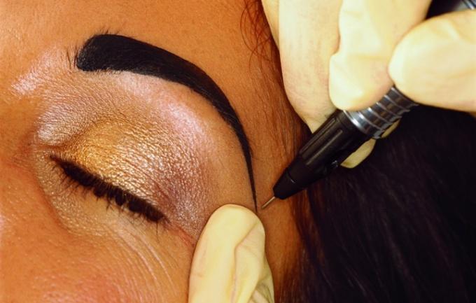 Как вывести татуаж глаз в домашних условиях