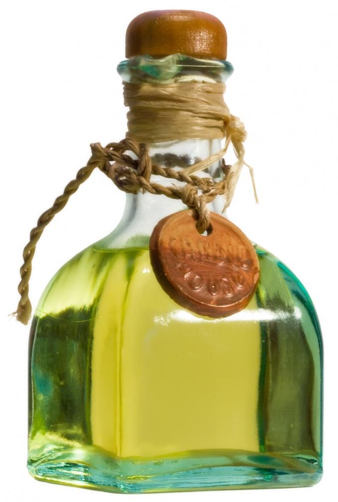 Рафинированное масло не содержит примесей и дольше хранится