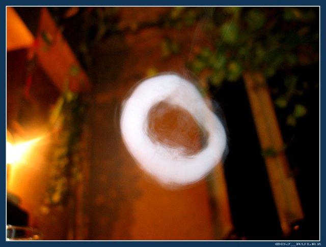 Как пускать дымом колечки