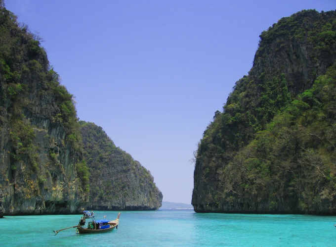 Пейзажи Таиланда сказачной красоты слихвой окупают усилия и время, затраченные на получение визы