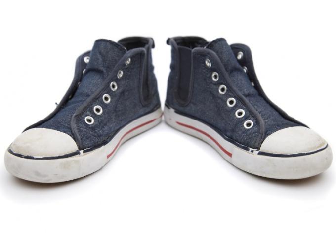 Обувь, контактировавшая с грибком, должна быть тщательно продезинфицирована