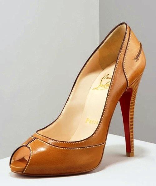 Как в домашних условиях разносить узкую обувь