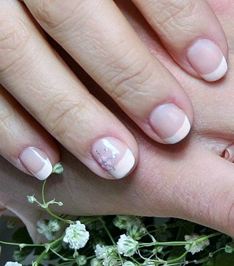 Short nails: how to return beauty