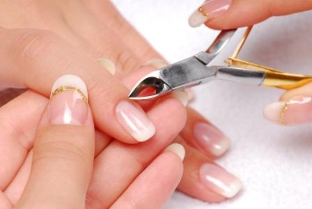 How to make beautiful manicure at home