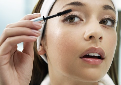 How to dilute mascara