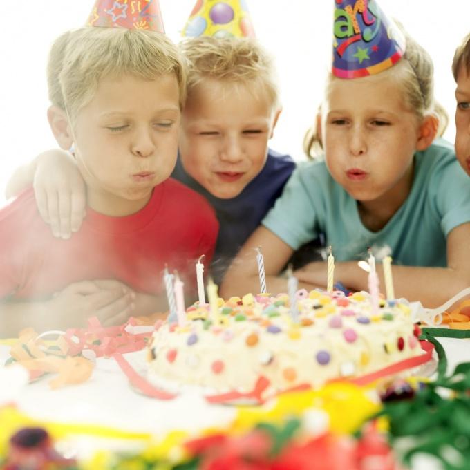 Как провести детские праздники дома