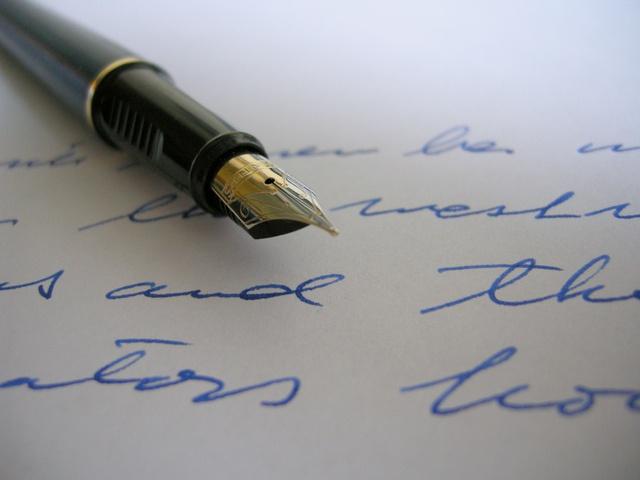 Для развития мозга полезно писать другой рукой.