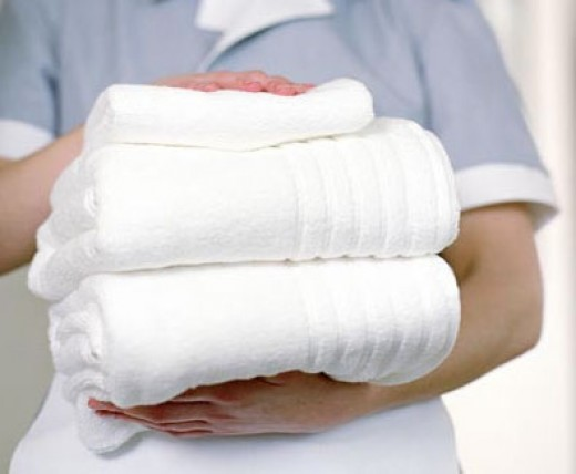 Как вывести пятно с белой одежды