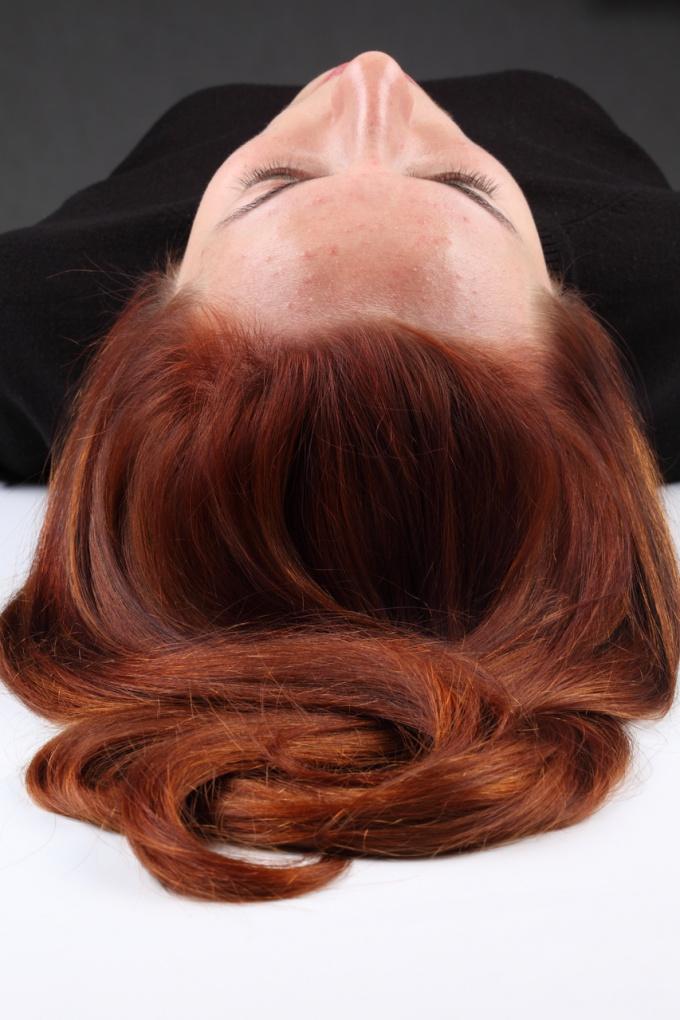 Как сделать красивую причёску на длинных волосах