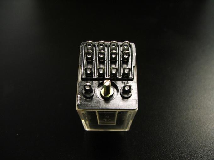 Для изготовления сигнализации необходимо электромагнитное реле