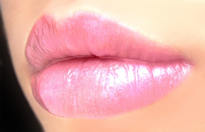 пример ярких губ