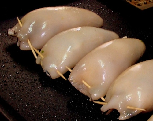 Squid is rich in protein and vitamins B6 and PP.