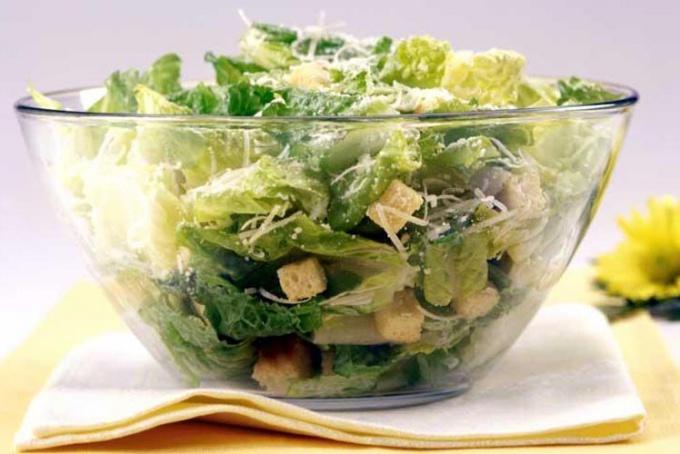"""Как сделать соус для салата """"Цезарь"""""""