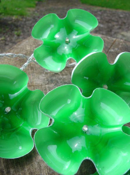 Как сделать <em>цветы</em> из <strong>пластиковых</strong> <b>бутылок</b>