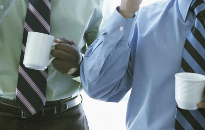 Поговорите с бывшими сотрудниками компании