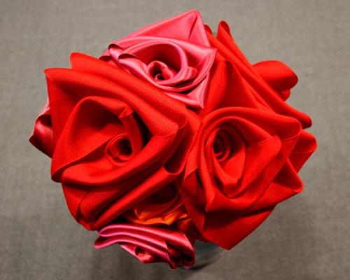 Как сделать цветы из ленточек