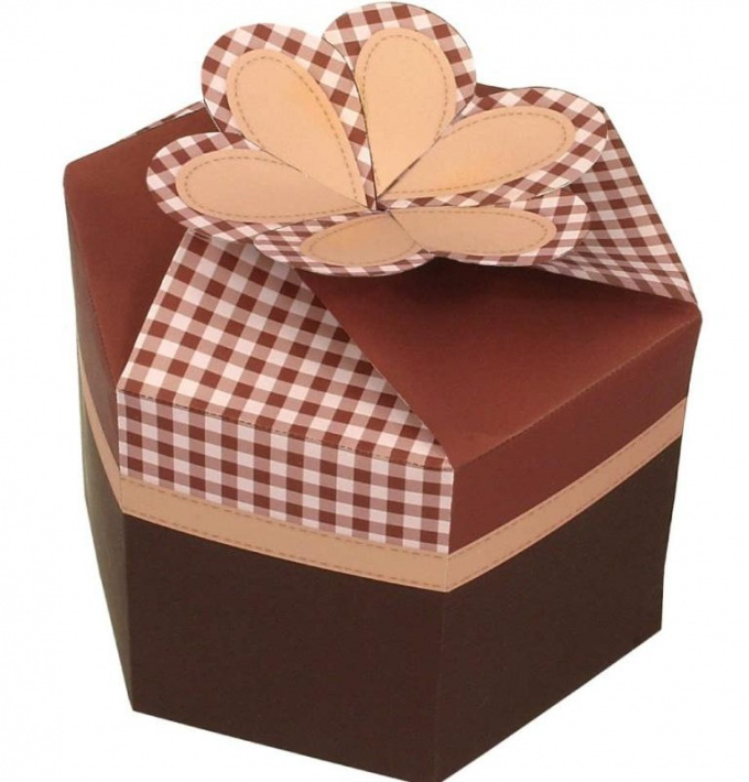 Как сделать подарочную коробку самому