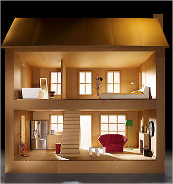 How to make a Dollhouse out of the box