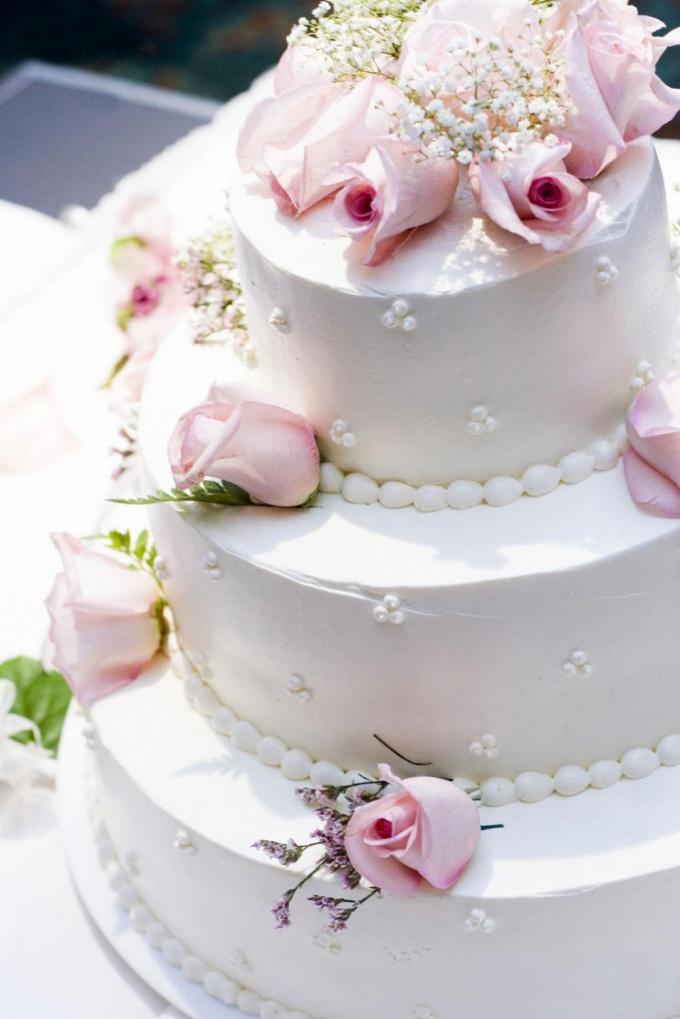 Свадебный торт – украшение свадебного стола