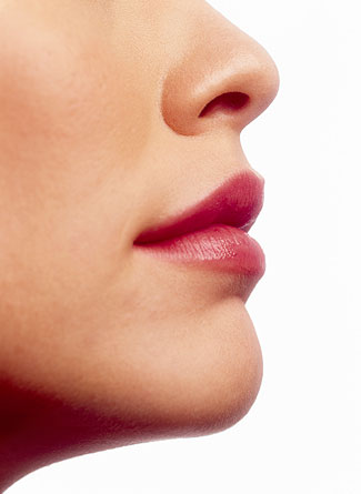 Как сделать меньше нос с помощью макияжа