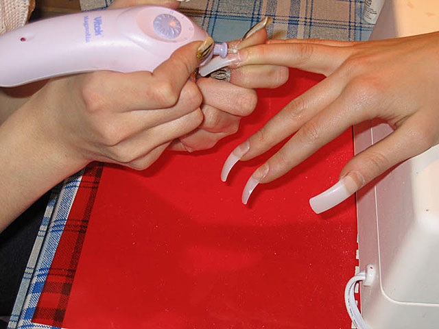 How to make a hardware manicure