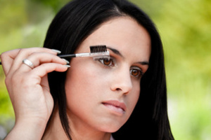 How to wash <strong>paint</strong> <b>eyebrows</b>